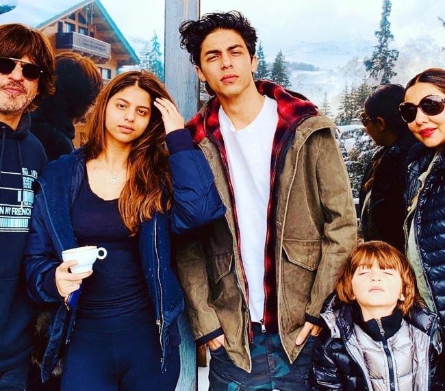 From Left to Right - Shahrukh Khan, Suhana Khan, Aryan Khan, AbRam Khan, and Gauri Khan enjoying their family time
