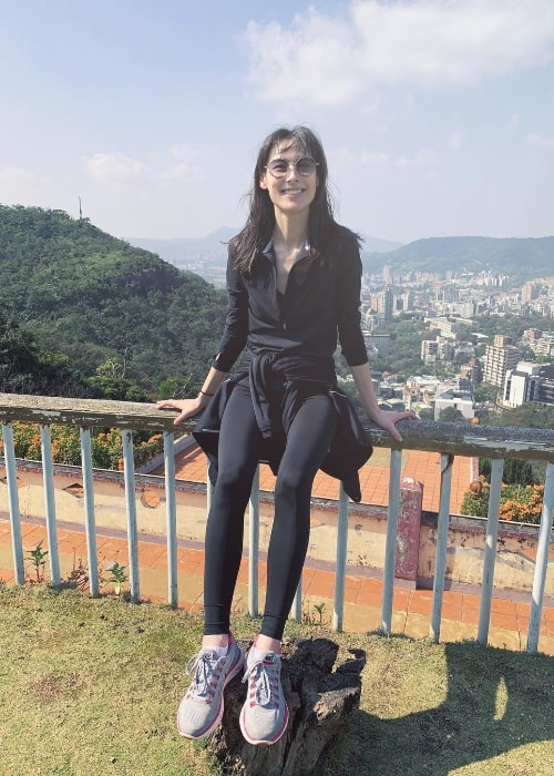 Isabella Leong posing for a picture during a hike in Beitou, Taipei City, Taiwan in January 2019