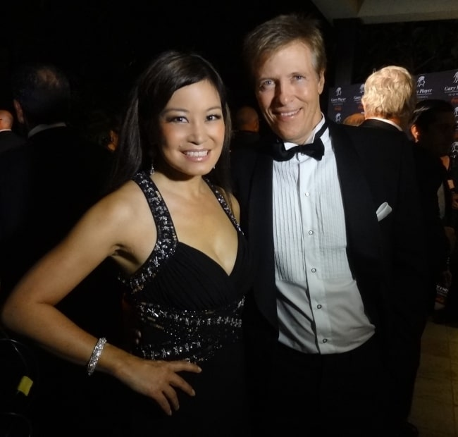 Jack Wagner smiling for a picture alongside 5 FM and SABC3 Expresso reporter Jen Su in November 2012