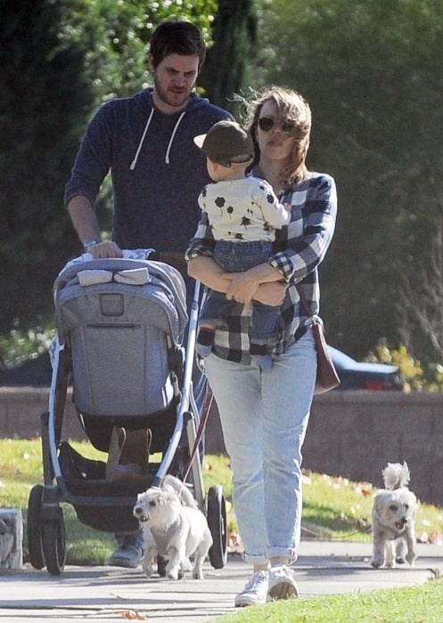 Jamie Linden with Rachel McAdams and their son in December 2018