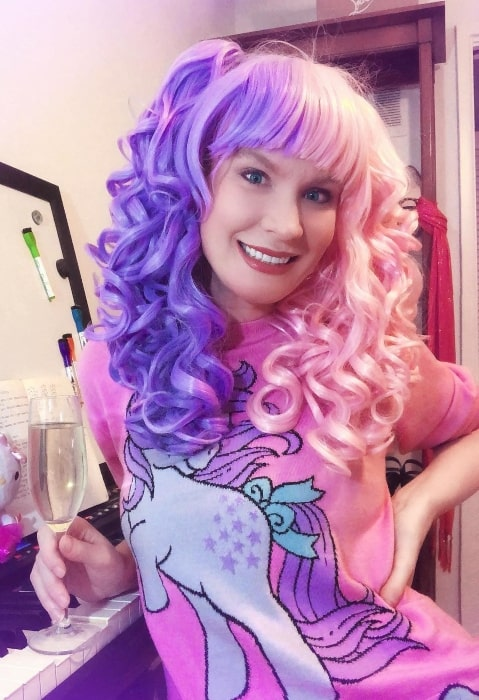 Kitty Brucknell in a very pinky and purpley mood in December 2018