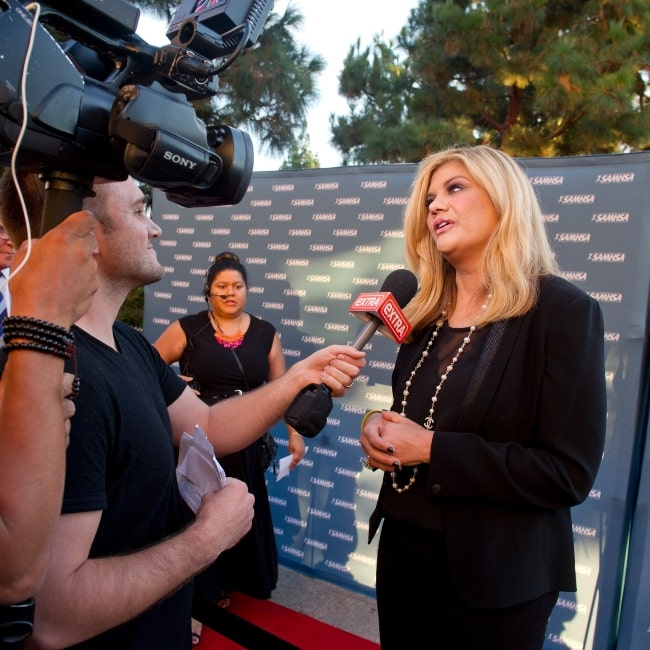 Kristen Johnston speaking with the media at the 2014 Voice Awards event held on August 13 at Royce Hall on the campus of UCLA