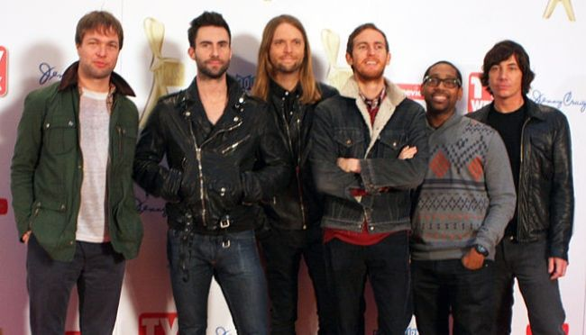 Matt Flynn (extreme right) as seen with his Maroon 5 bandmates in 2011