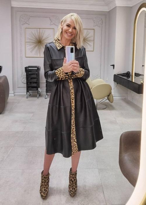 Nataša Bekvalac as seen in a selfie that was taken in Salon lepote Lady, Novi Sad, Serbia in October 2020