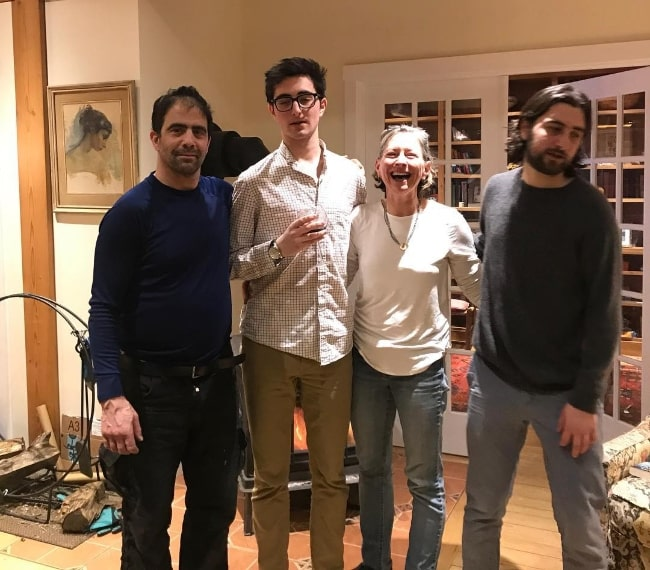 Noah Kahan (Corner Right) as seen in a Christmas picture with his family in Strafford, Vermont in December 2018