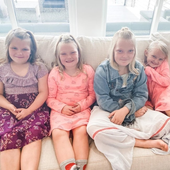 Payton Yeager as seen in a picture that was taken in April 2020, with her sisters Taylor, Jordyn, and Blake in April 2020