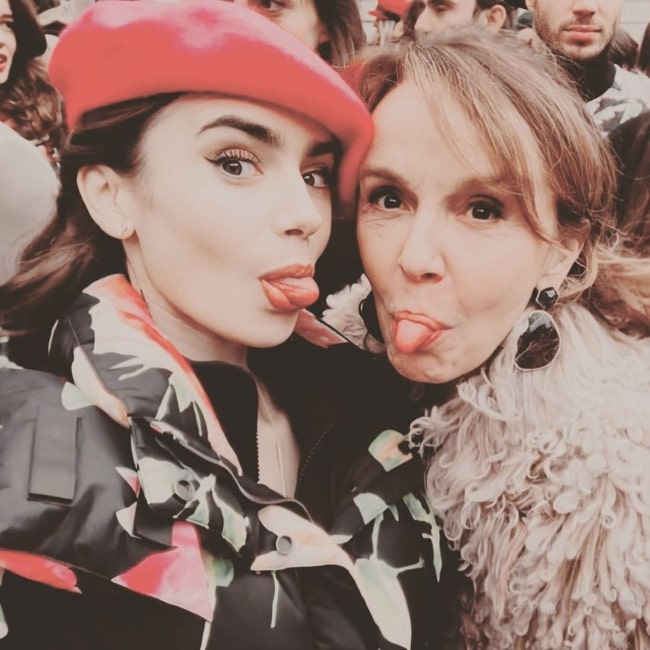 Philippine Leroy-Beaulieu (Right) in a goofy selfie with Lily Collins