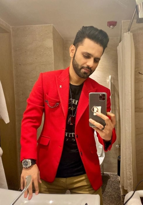 Rahul Vaidya sharing his selfie in January 2020