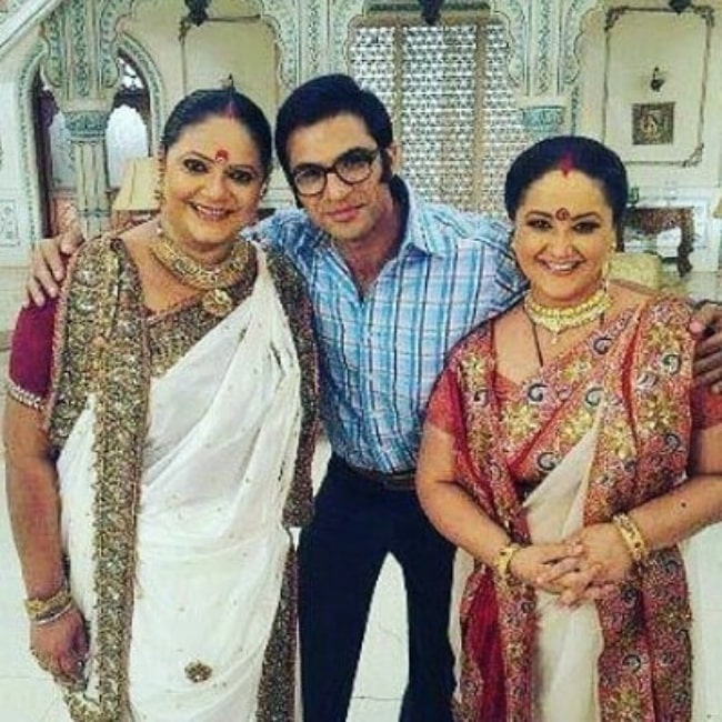 Rupal Patel (Left) smiling for the camera alongside her co-stars Mohammad Nazim and Swati P Shah