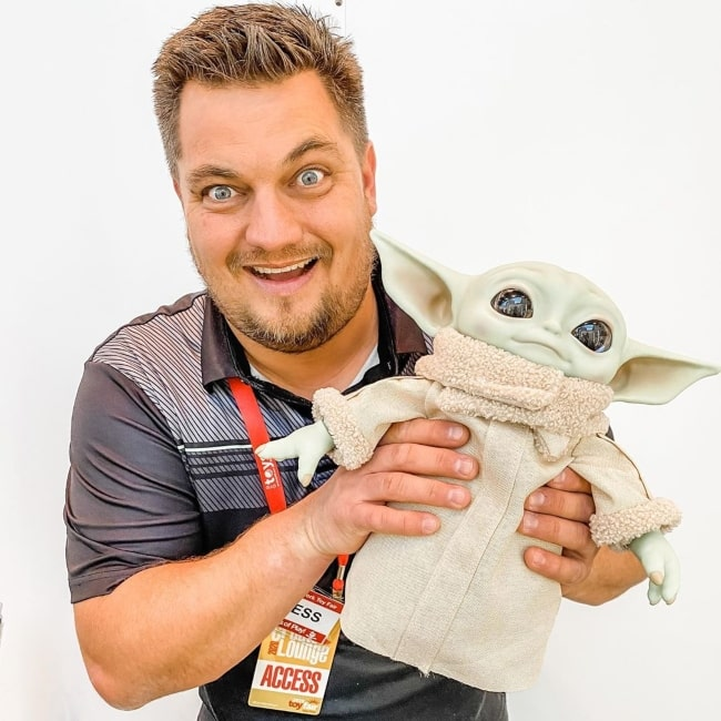 Steve Yeager as seen in a picture that was taken while holding a yoda in February 2020
