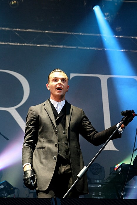 Theo Hutchcraft pictured while standing on the Alterna Stage of Rock im Park-Festival 2013
