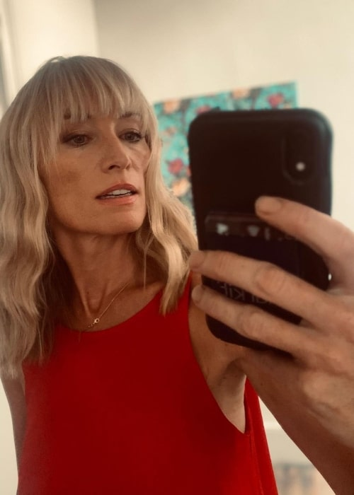 Victoria Smurfit as seen while clicking a mirror selfie in Notting Hill, London in August 2020