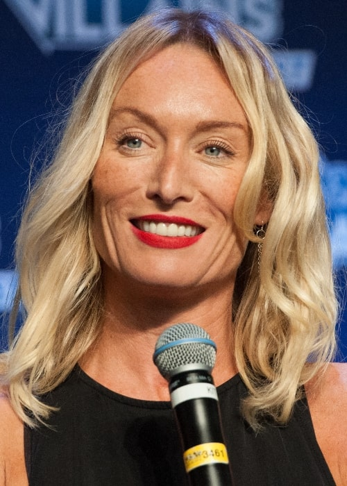 Victoria Smurfit as seen while smiling during the Heroes and Villains convention in 2016
