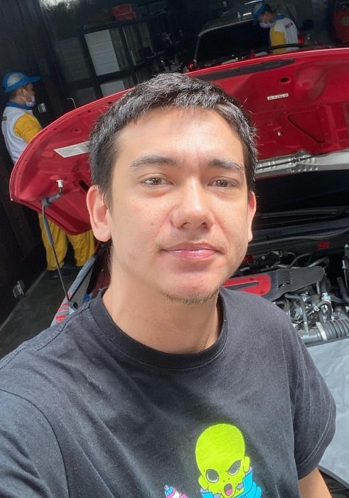 Adipati Dolken as seen while clicking a selfie in April 2020