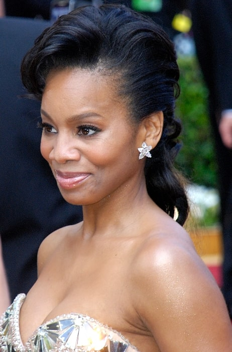 Anika Noni Rose pictured at the 2010 Academy Awards