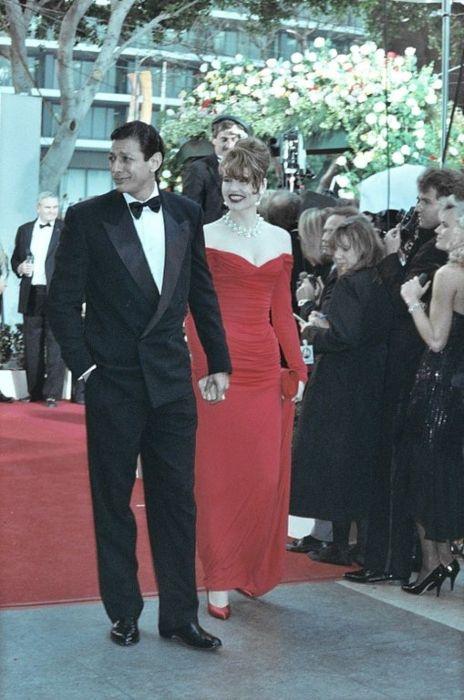 Geena Davis arriving at the 1990 Academy Awards with Jeff Goldblum