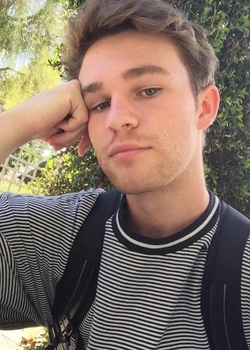 Hunter Summerall taking a selfie in September 2017