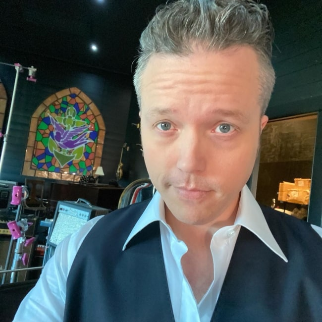 Jason Isbell enjoying a picture day in February 2020