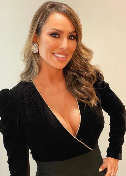 Kelly Dodd as seen while smiling for the camera in August 2020