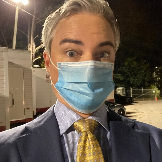 Kerr Smith as seen while clicking a masked selfie at work in November 2020