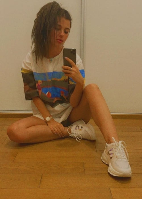 Kija Kockar as seen while taking a mirror selfie in Zvezdara in Belgrade, Serbia in August 2020