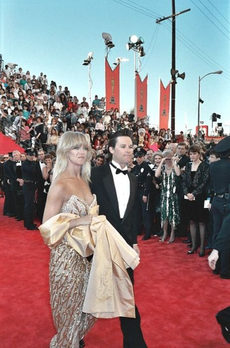 Kurt Russell and Goldie Hawn seen arriving at the Academy Awards in 1989