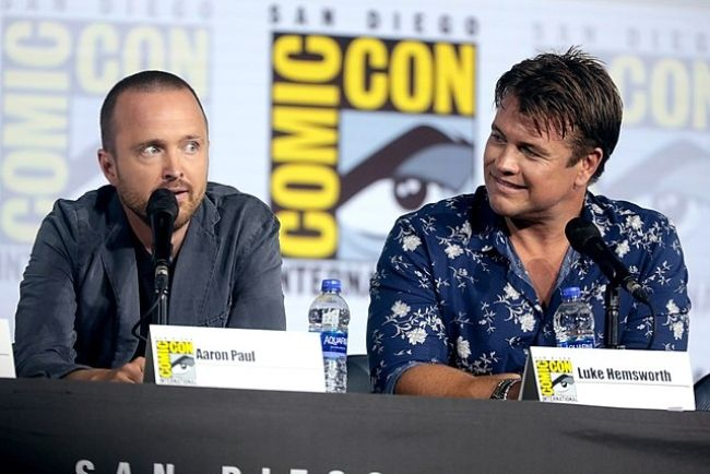 Luke (right) seen with Aaron Paul at the 2019 San Diego Comic-Con for Westworld