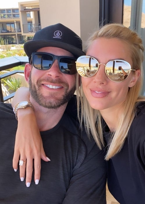 Tarek El Moussa with his girlfriend in August 2020 deeply in love with Mexico