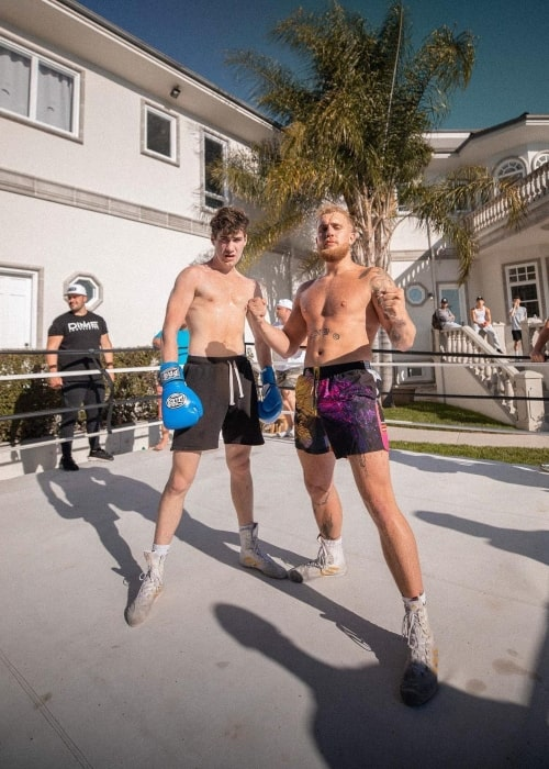Airrack as seen in a picture with content creator Jake Paul and Nicky in Calabasas, California in May 2020