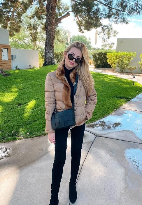 Camelia Somers as seen while posing for the camera at Andaz Scottsdale Resort & Bungalows in November 2020