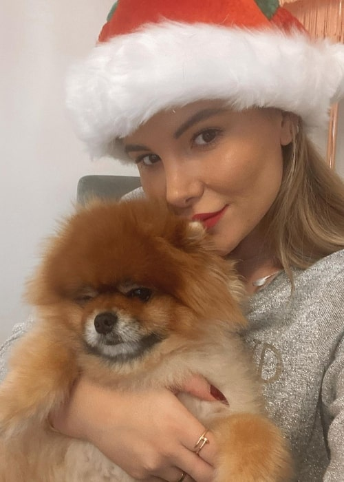 Georgia Kousoulou as seen in a selfie that was taken with her dog Monkey in November 2020