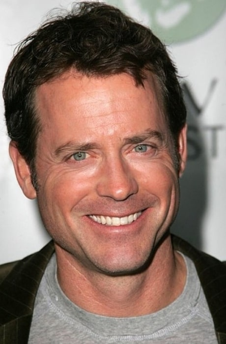 Greg Kinnear all smiles in the past
