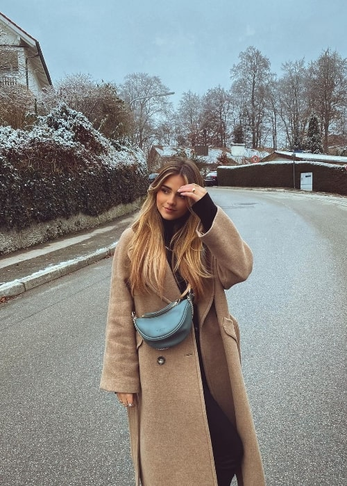 Jessy Hartel posing for the camera in Munich, Germany in December 2020