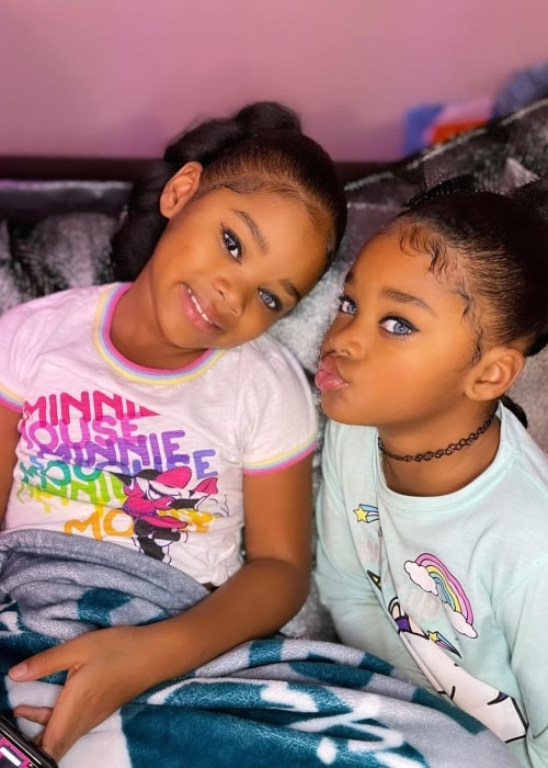 Morgan Trueblue as seen in a picture with her sister Megan Trueblue in December 2020