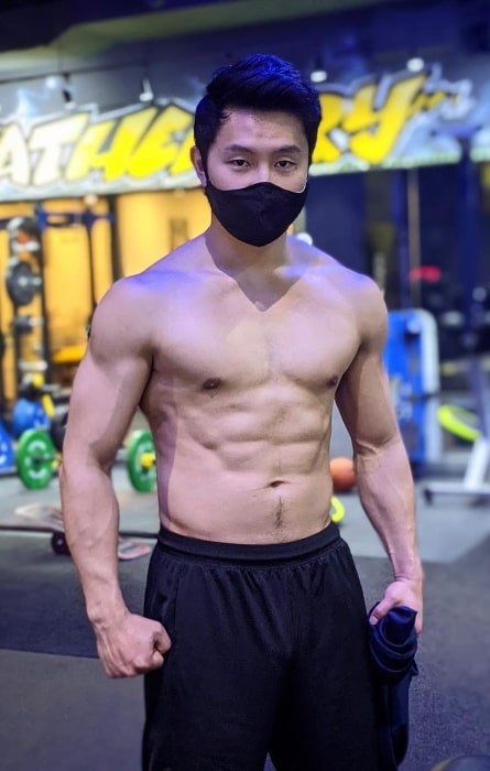 Simu Liu as seen while posing shirtless for the camera showing his toned body in an Instagram post in December 2020