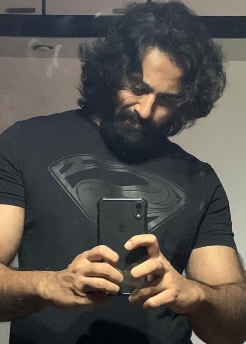 Unni Mukundan as seen while taking a mirror selfie in August 2020