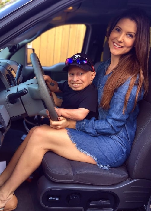 Verne Troyer as seen in a picture with vlogger Amanda Cerny in Los Angeles, California in December 2016