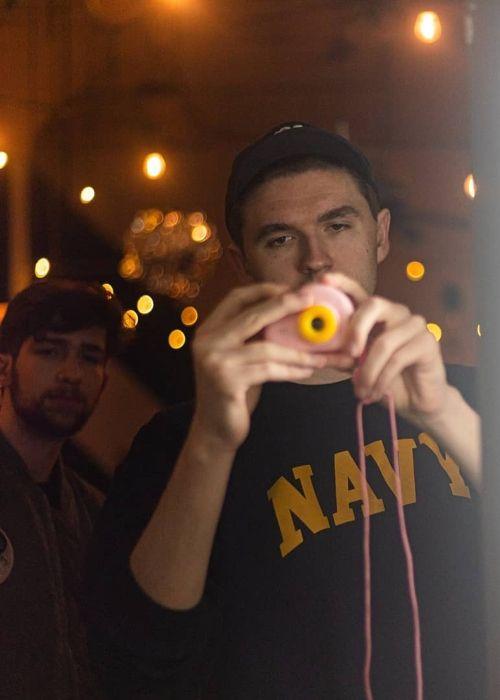jschlattLIVE as seen in a selfie that was taken with Noah in January 2020
