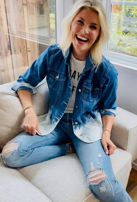Amanda Kloots as seen while smiling for the camera in Los Angeles, California in September 2020