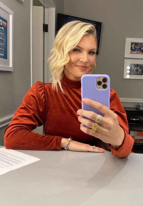 Amanda Kloots as seen while taking a mirror selfie in Los Angeles, California in October 2020