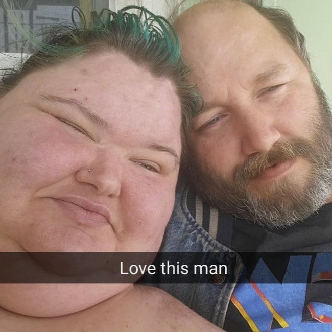 Amy Slaton and her husband Michael Halterman in a selfie that was taken in April 2017