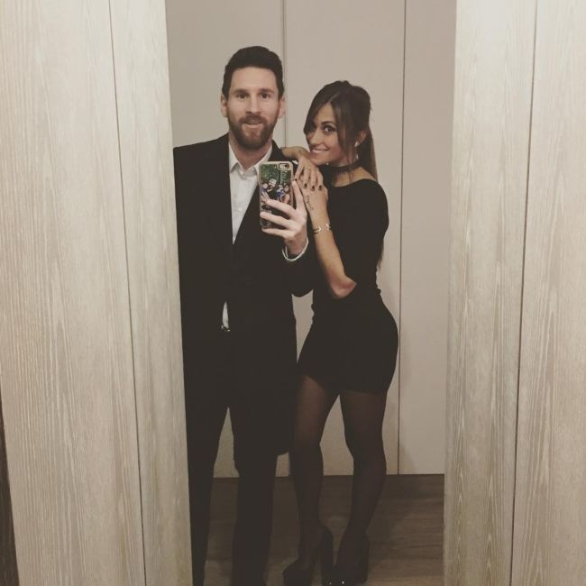 Antonela Roccuzzo and Lionel Messi as seen together in February 2017