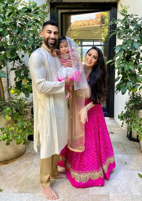 Dhar Mann with his family in November 2020 wishing everyone a happy Diwali