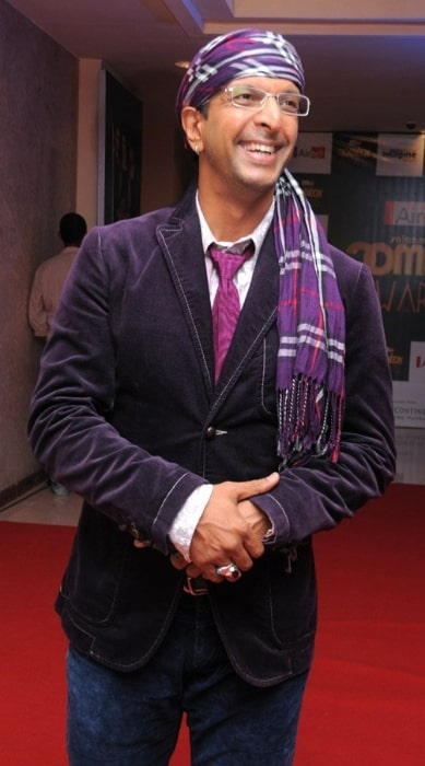 Javed Jaffrey posing for the camera at Airtel Salaam-e-Comedy awards