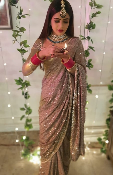 Jigyasa Singh as seen while posing for a Diwali picture in November 2020