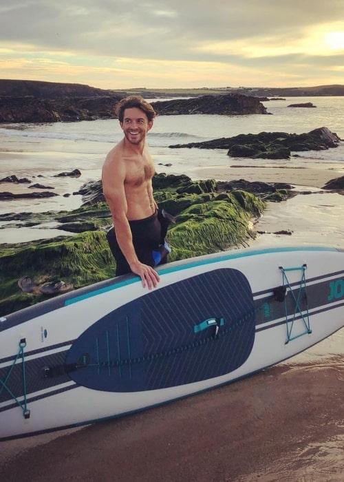 Jonathan Bailey in September 2020 having fun in Cornwall
