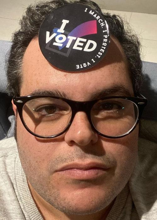Josh Gad in an Instagram selfie from October 2020