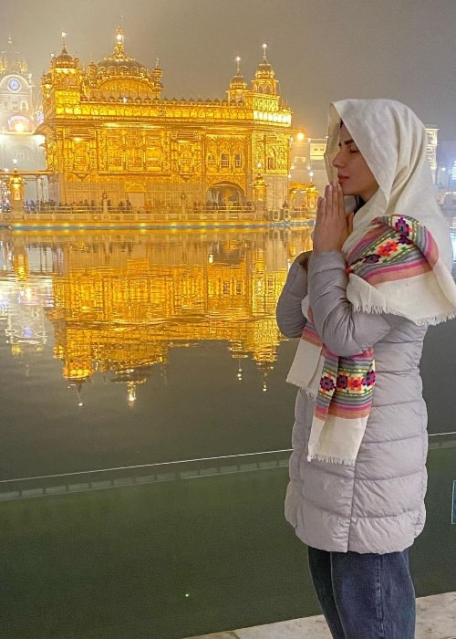 Kirti Kulhari as seen while posing for a picture at the Golden Temple (also known as Harmandir Sahib) in Amritsar, Punjab in December 2020