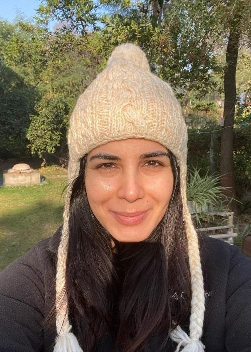Kirti Kulhari as seen while taking a selfie in December 2020