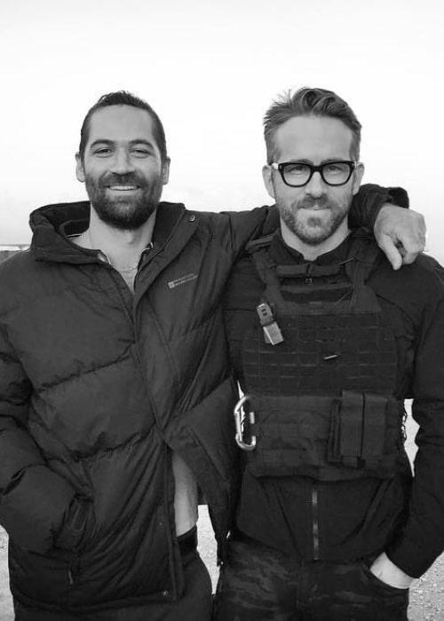 Manuel Garcia-Rulfo (Left) posing for the camera alongside Ryan Reynolds in Rome, Italy in October 2018